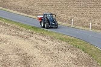 Spør om fart på traktor
