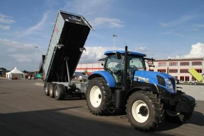 Store hengere er vanskelige å utnytte fullt ut, fordi traktoren enten blir for lett eller for motorsvak i følge regelverket.