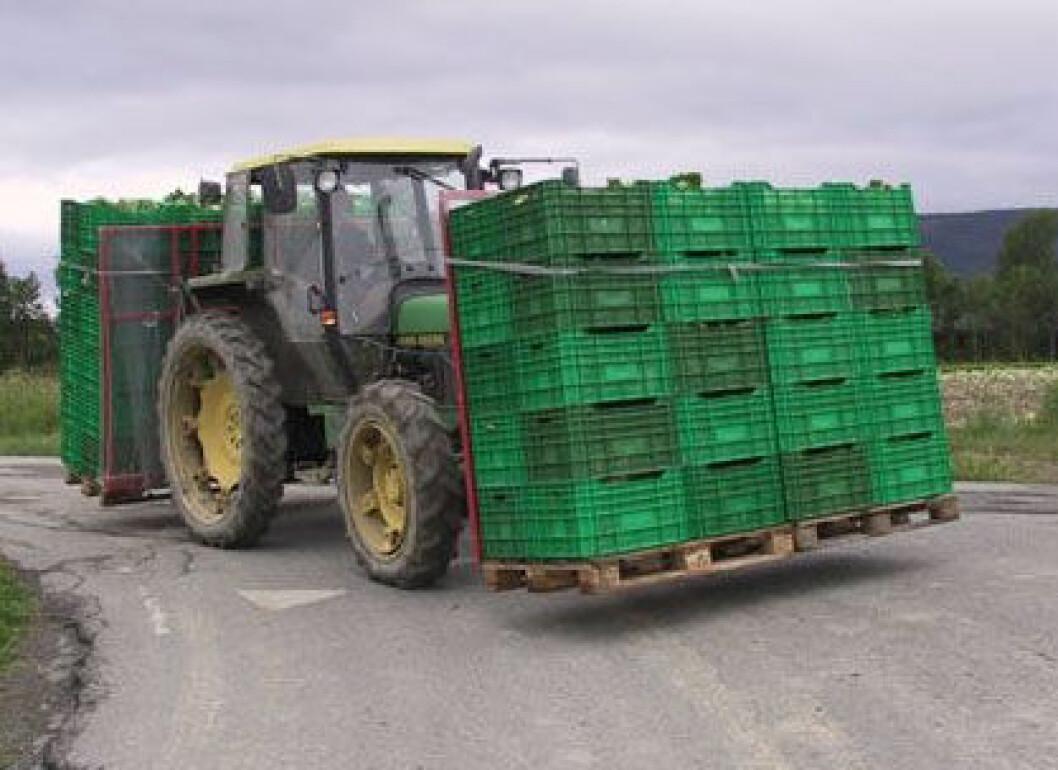 traktor trafikk dårlig sikt
