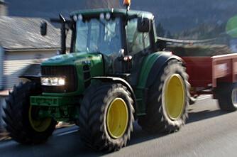 16-åring anmeldt for å ha kjørt 50 km/h-traktor