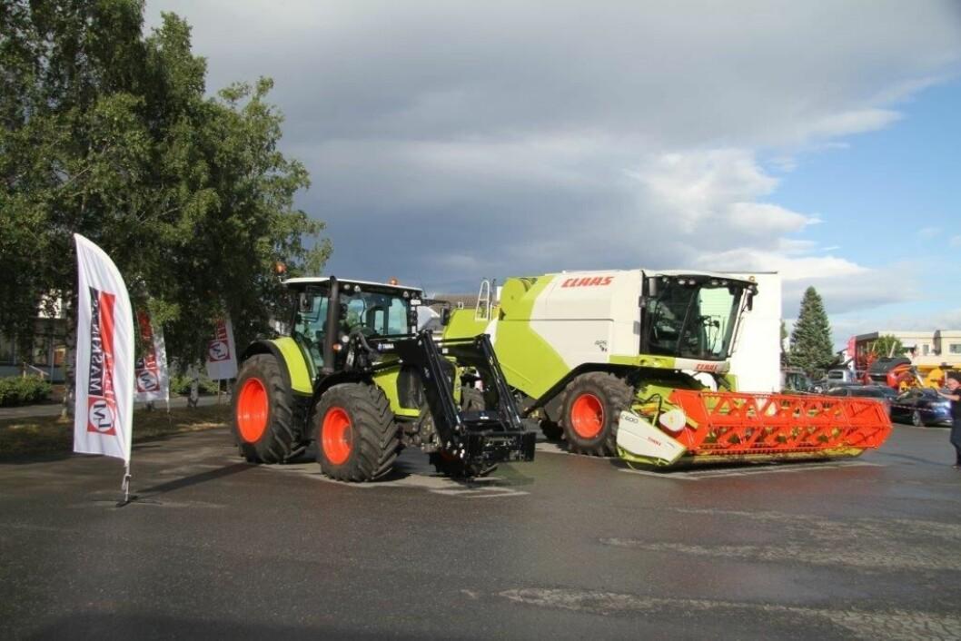 Både traktor og tresker fra Claas var oppstilt utenfor avdelingen på Lena. Foto: Håkon Bjerke.