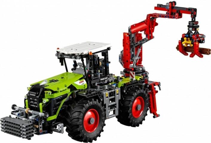 Premie 23. desember: Lego Technic 42054, ein modell av Claas Xerion, gitt av Håmsø Patentbyrå.