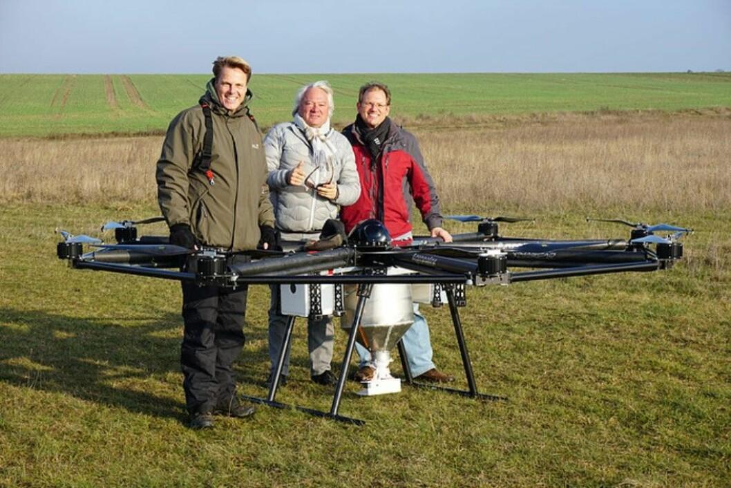 Agronator-dronen er 3,2 meter i diameter. Denne er påmontert spreder. Foto: Agronator