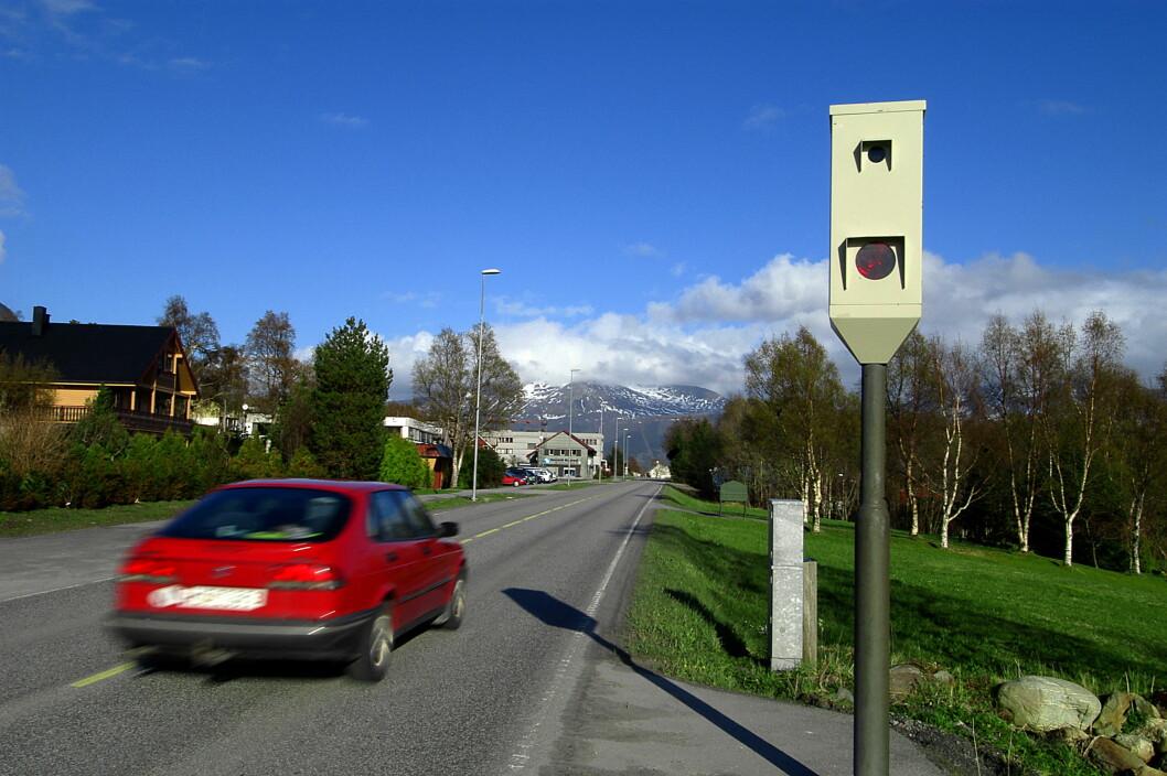 For fort her, og traktoren må stå. Foto: Knut Opeide