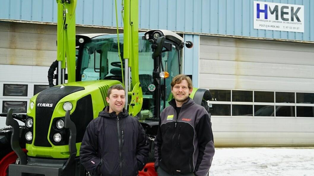 Sindre Hjelanes (t.v.) og firmaet hans H-Mek blir ny CLAAS forhandler i Hordaland. De vil samarbeide tett med naboforhandleren Velde Maskin, der Asbjørn Velde står klar til å bidra. Foto: Norwegian Agro Machinery