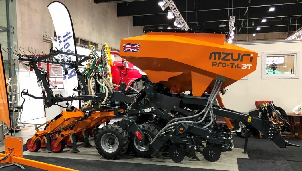 Røsholt maskin solgte tre Mzuri stripesåmaskiner på Agroteknikk 2018.
