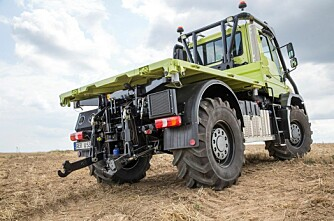 Unimog-traktor nå også i Norge
