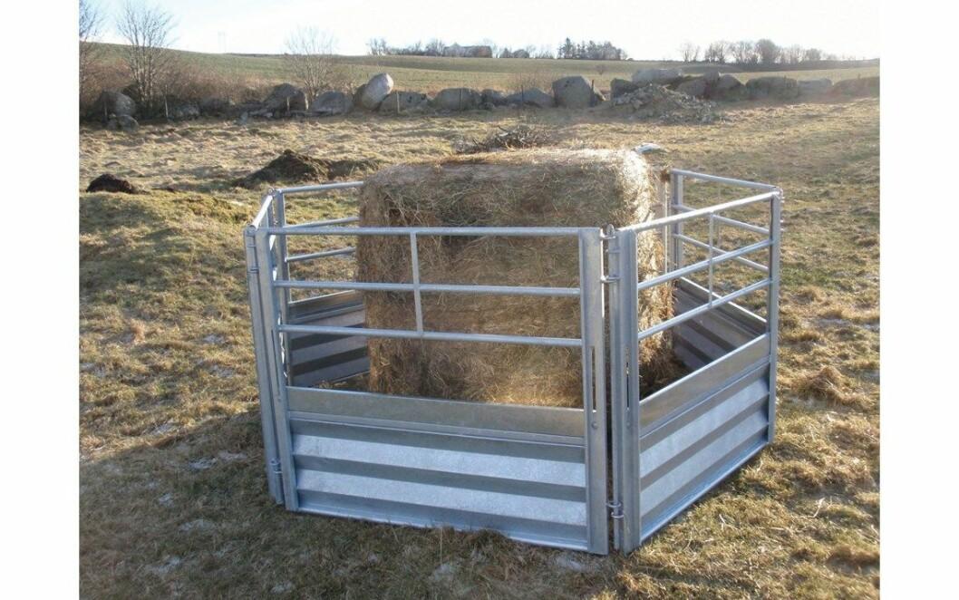Det er ikke utforminga av fôrhekken som bestemmer mengden fôrsøl, men hva du putter oppi av grovfôr og hvor mye. Foto: Fjøs Systemer