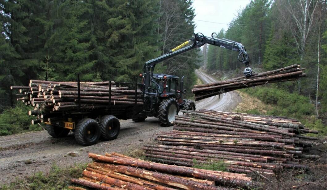 I dette nummeret av Bedre Gardsdrift kan du lese om tømmerhengeren som bare er lov å kjøres uten tømmer.
