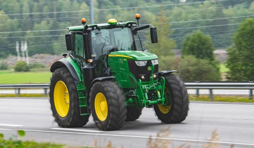 John Deere har kjørt fra de andre merkene på traktorstatistikken i Sverige.