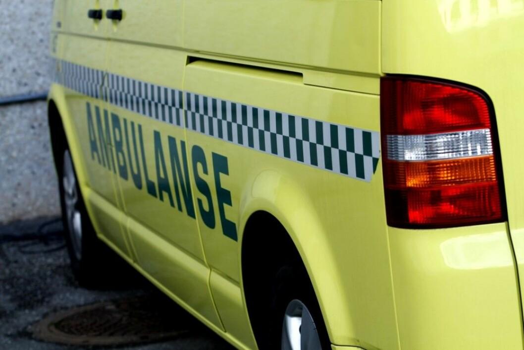 En tenåring havnet på sykehuset etter å ha skadet fingere etter traktorlek. Foto: Colourbox