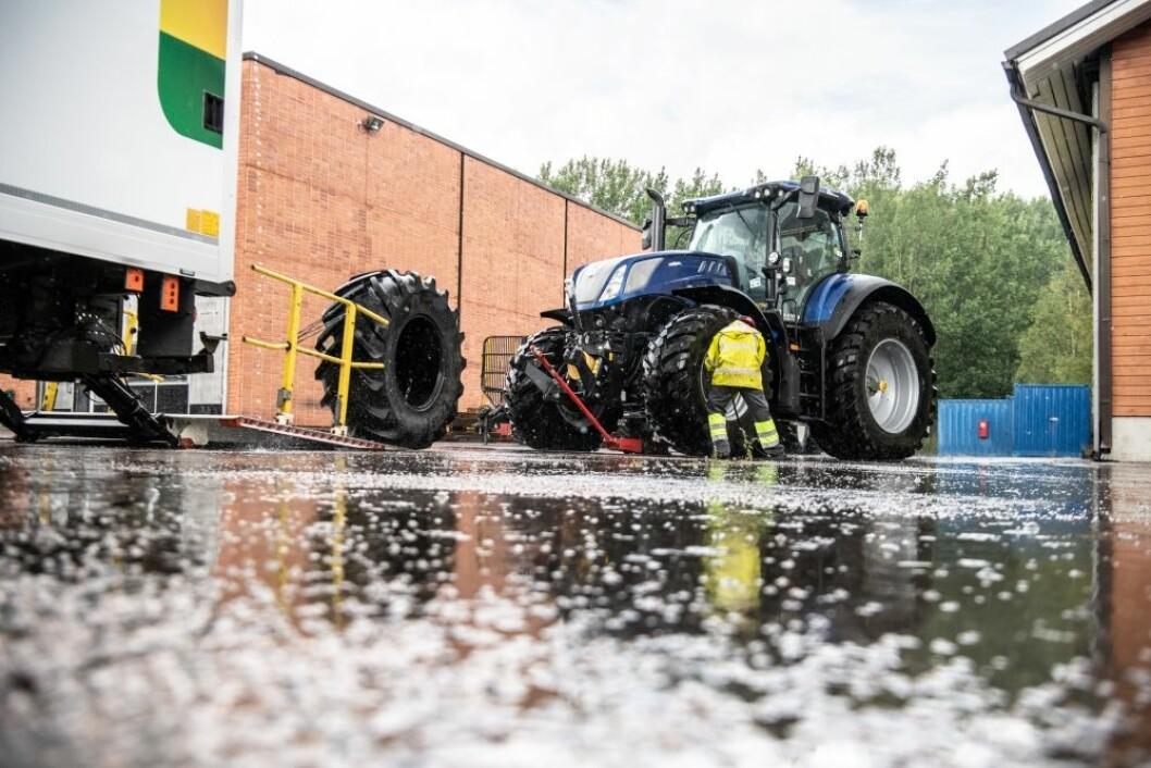 Vi har i en årrekke hatt gruppetester av traktorer. I år har vi istedet testet traktordekk. Første del får du nå, i Bedre Gardsdrift nr. 1.