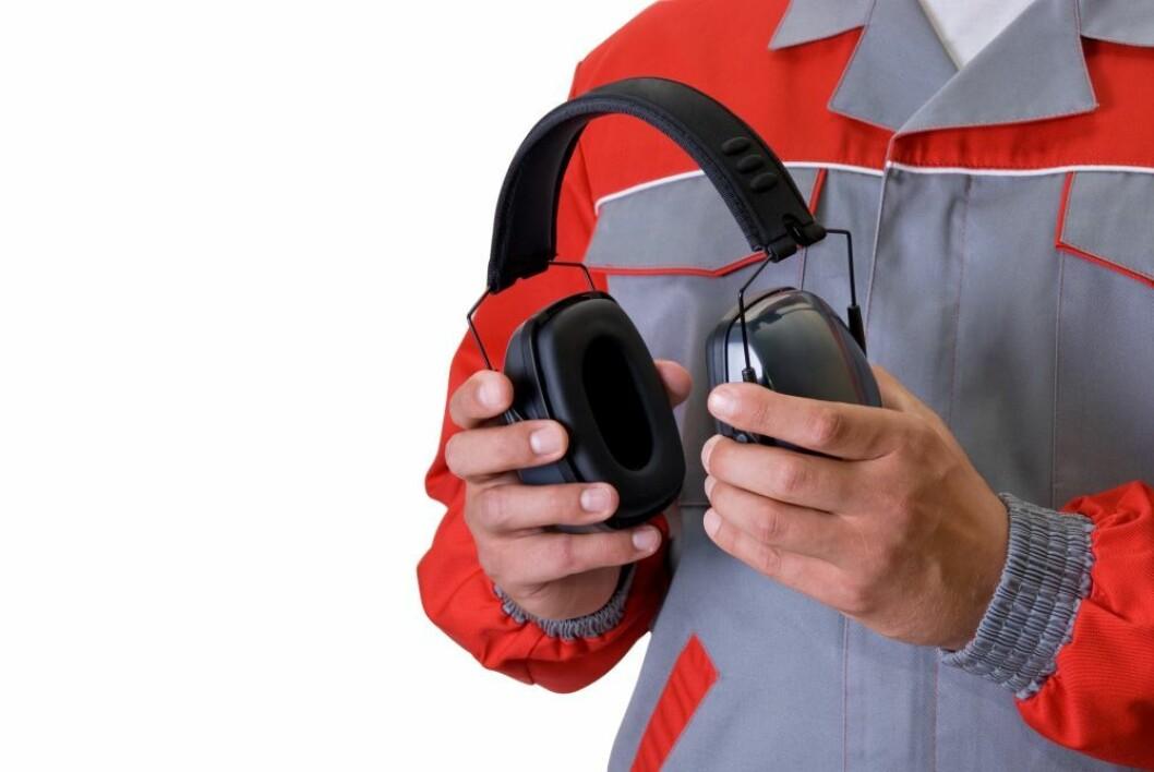 Hodetelefoner kan ikke erstatte hørselvern i soner med støy. Foto:colourbox.com