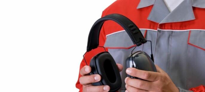 Advarer mot hodetelefoner
