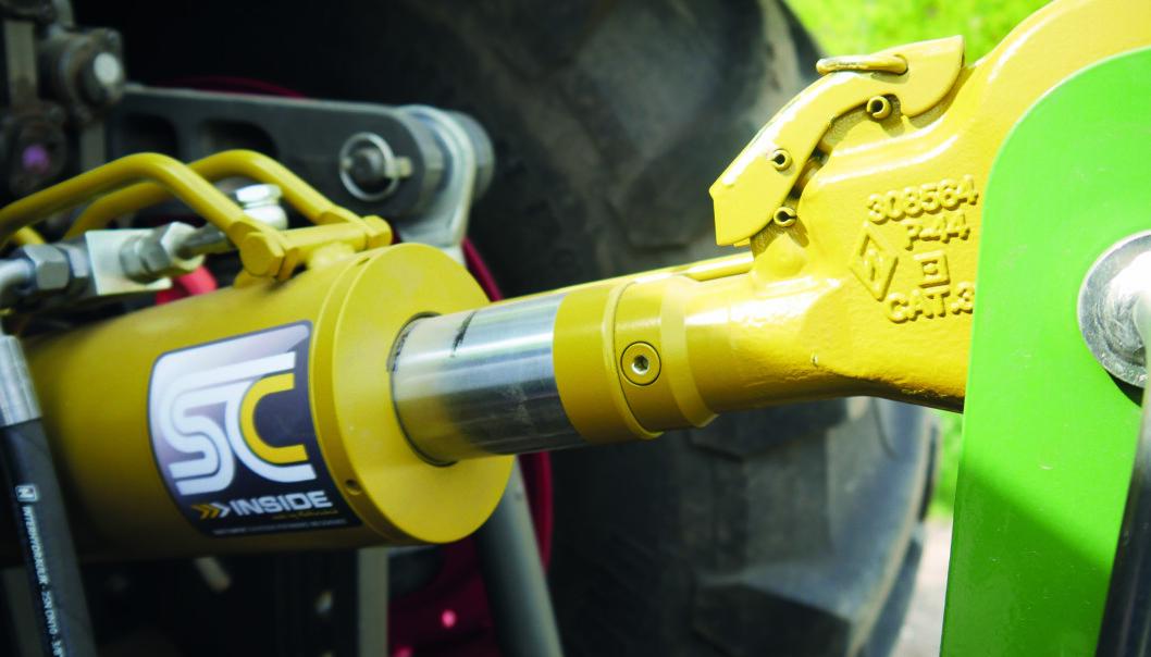 Walterscheid hydraulisk toppstag med integrert demping.