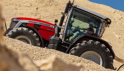 Traktorstatistikken:MF klatrer i labert marked