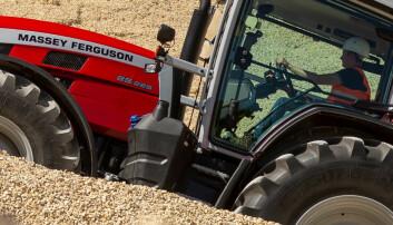 Traktorstatistikken: MF klatrer i labert marked
