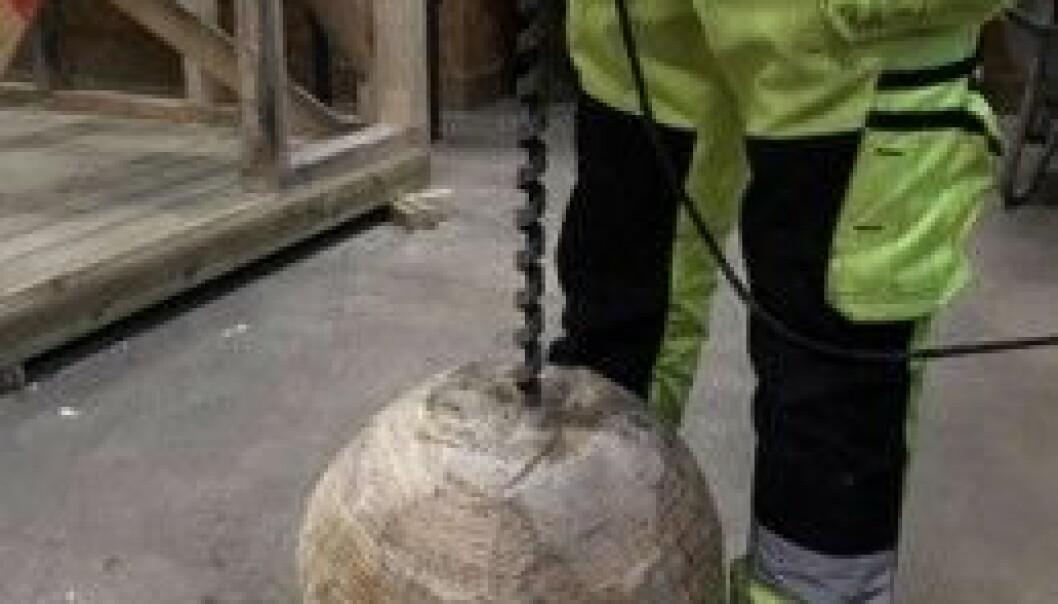 Kula er laget av massivt tre