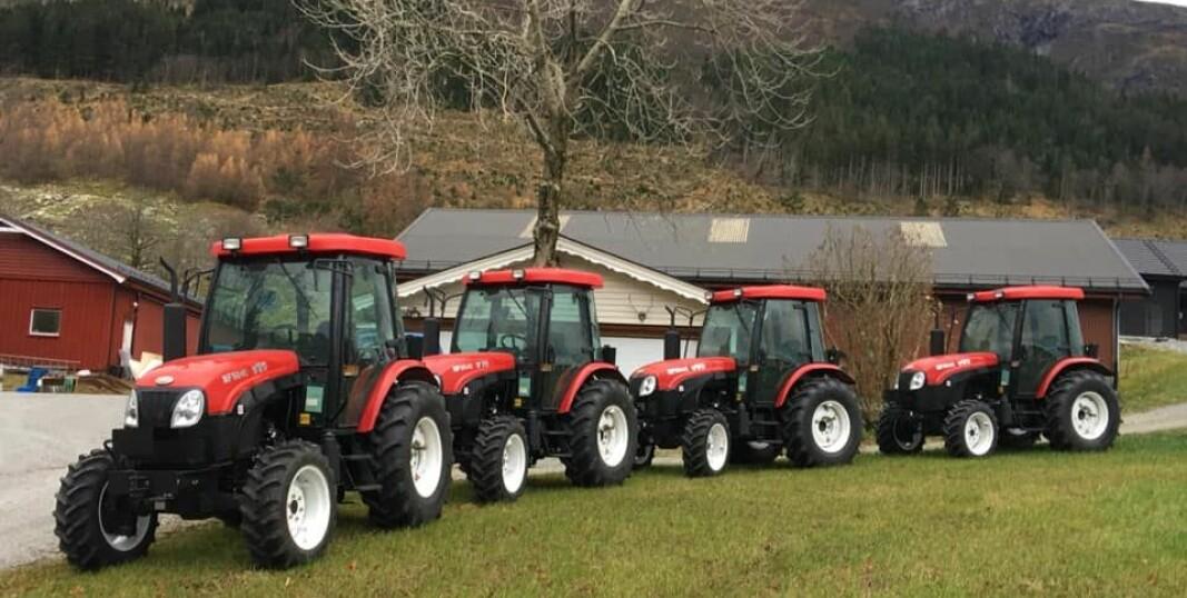 De enkle traktorene fra Kina har vekket interesse hos småbrukere. Foto: Sandvik landbruk