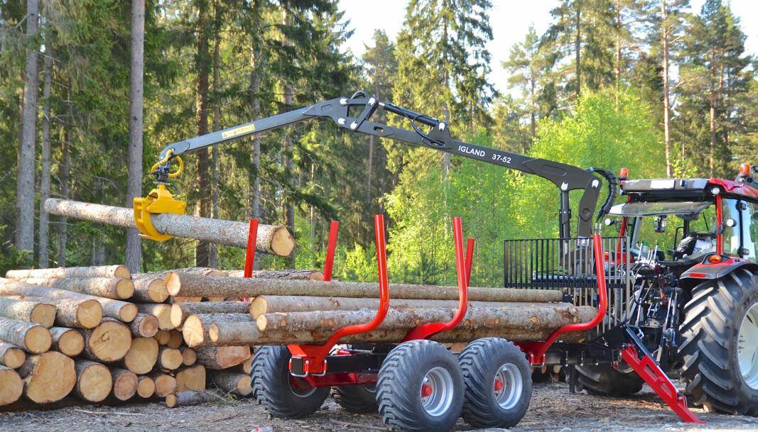 Tømmerhengerne skaper mye bry.