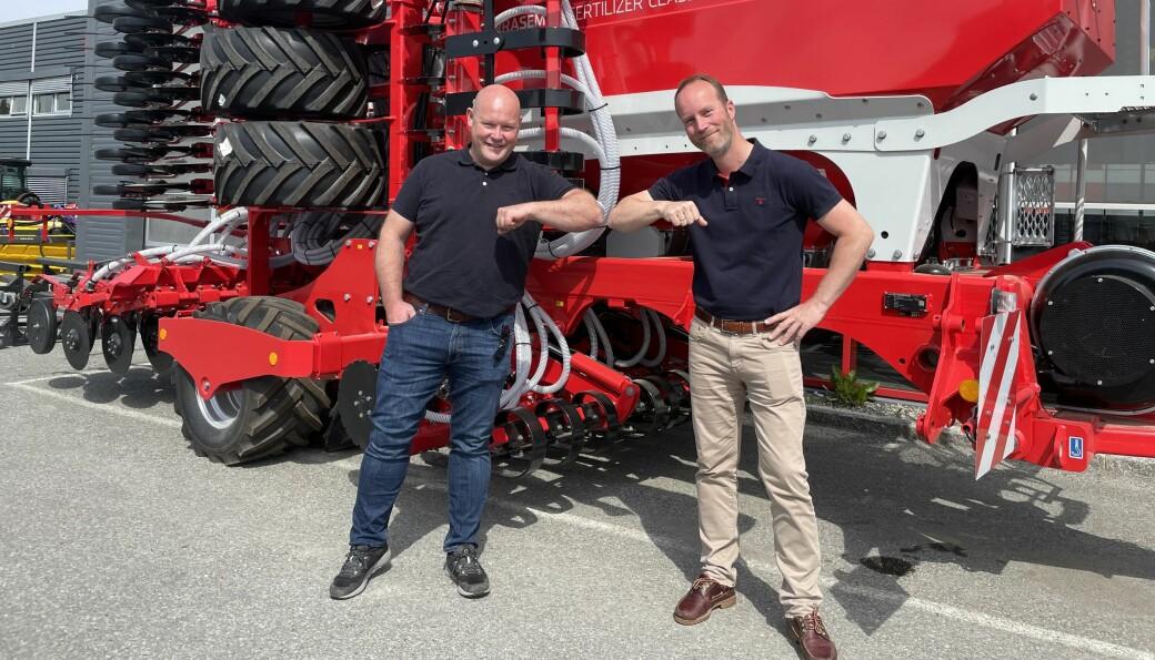 Gjermund Tømte og Jan Erling Yri i Akershus Traktor.