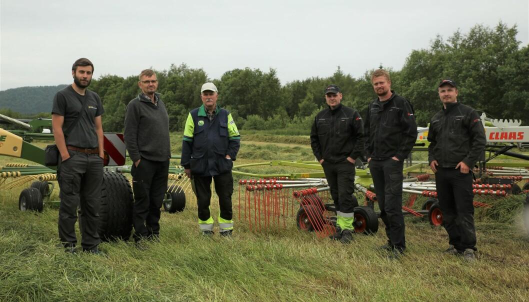 Testpanelet består av (fra venstre) Lars Gunnar Flatvad, Sverre Heggset, Atle Haugnes (alle tre fra NLR) og Magnus Sørlie, Per Magne Tøsse og Magnus Mo Opsahl (fra Bedre Gardsdrift).