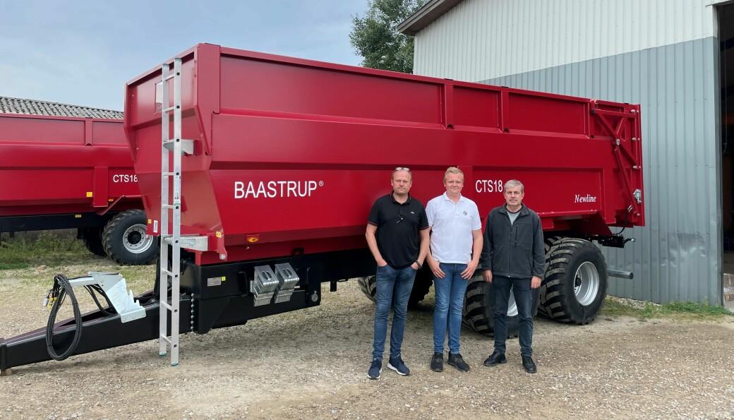 John Inge Øgreid og John Magne Øgreid fra Ålgård Landbrukssenter og Christian Winther fra Baastrup Vognen Aps.